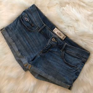 Hollister Jean Shorts. Size: 7